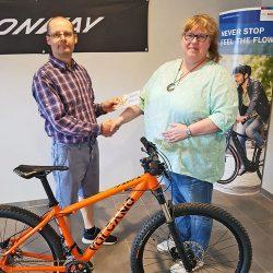 Volcano Bike Übergabe Fahrradgutschein der Fachwerkstatt Gambrinus-Fest Mendig